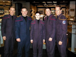 Star Trek Gallery - astronauts_on_ent.jpg