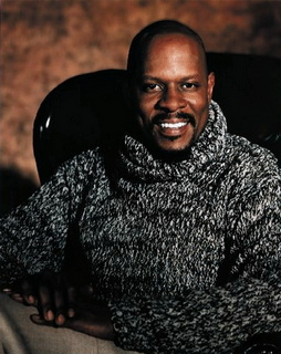 Star Trek Gallery - avery_brooks_4.jpg