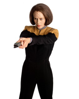 Star Trek Gallery - belanna_phaser.jpg