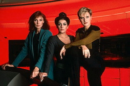 Star Trek Gallery - fem_trio_pb_01.jpg