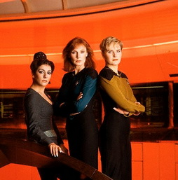 Star Trek Gallery - fem_trio_pb_02.jpg