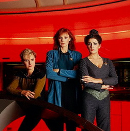 Star Trek Gallery - fem_trio_pb_03.jpg