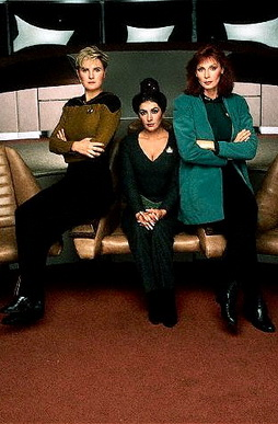 Star Trek Gallery - fem_trio_pb_04.jpg