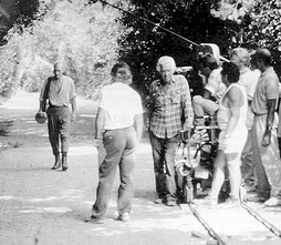 Star Trek Gallery - filming_family_tng.jpg