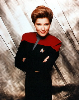 Star Trek Gallery - janeway_magazine_photo.jpg