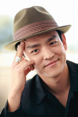 Star Trek Gallery - john_cho_2.jpg