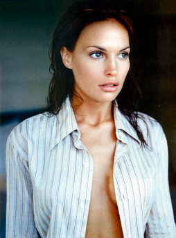 Star Trek Gallery - jolene_blalock_4.jpg
