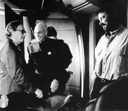 Star Trek Gallery - justman_visits_fc_set.jpg