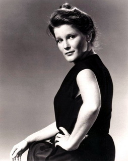 Star Trek Gallery - kate_mulgrew_5.jpg