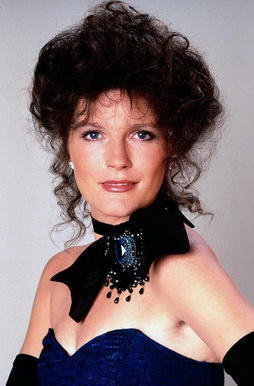 Star Trek Gallery - kate_mulgrew_8.jpg