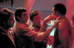 Star Trek Gallery - kelley_nimoy_nerve_pinch.jpg