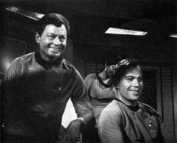Star Trek Gallery - kelley_shatner_bts.jpg