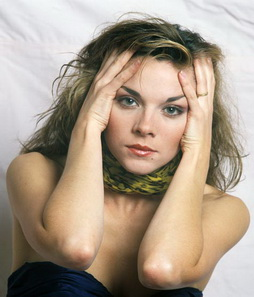 Star Trek Gallery - kim_cattrall.jpg