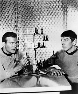 Star Trek Gallery - kirkspock_chesspb.jpg