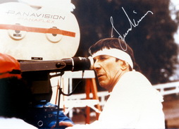 Star Trek Gallery - leonard_directs_st4.jpg