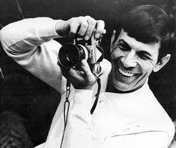 Star Trek Gallery - leonard_nimoy_photographer.jpg