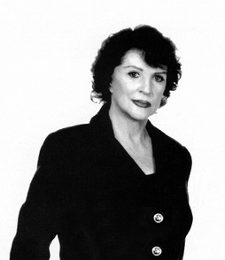 Star Trek Gallery - majel_barrett.jpg