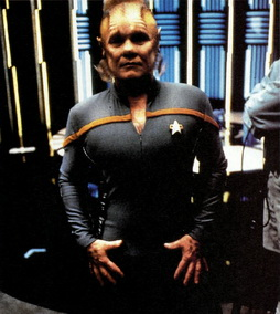 Star Trek Gallery - neelix_bts_awayteam.jpg