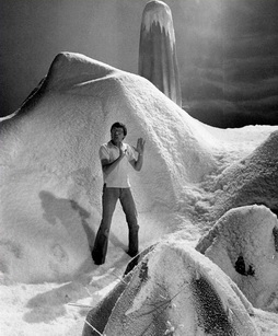 Star Trek Gallery - nimoy_snow_set_tsfs.jpg
