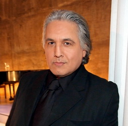 Star Trek Gallery - robert_beltran.jpg