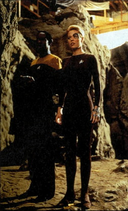 Star Trek Gallery - russ_ryan_raven_filming.jpg
