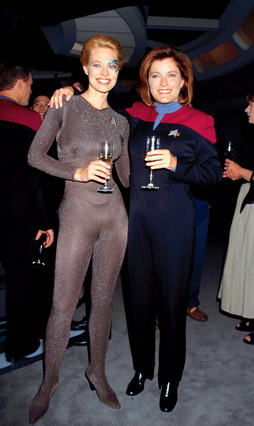 Star Trek Gallery - ryan_mulgrew_100th.jpg