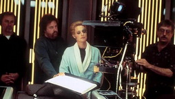 Star Trek Gallery - ryan_robe_filming_vgr.jpg