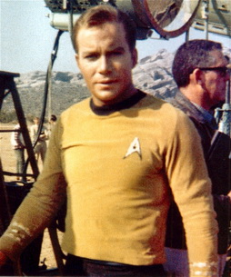 Star Trek Gallery - shatner_on_set.jpg