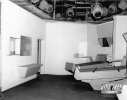 Star Trek Gallery - sickbay_set.jpg