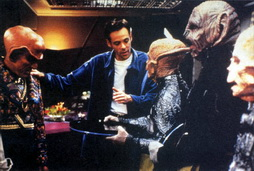 Star Trek Gallery - siddig_directs_ferengi2.jpg