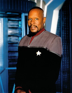 Star Trek Gallery - sisko_s7pb_hq.jpg