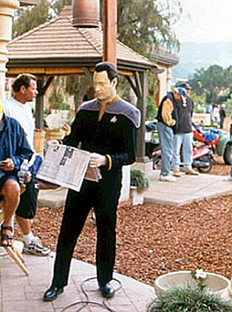 Star Trek Gallery - spiner_ins_bts.jpg