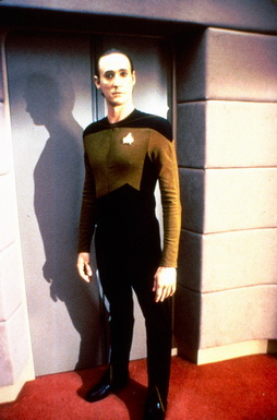 Star Trek Gallery - spiner_nomakeup_bridge.jpg