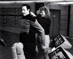 Star Trek Gallery - spiner_wardrobe_tng.jpg