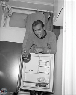 Star Trek Gallery - stark-trek-1966-tv-series-photo-kirk.jpg