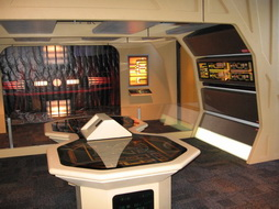 Star Trek Gallery - ste021.jpg