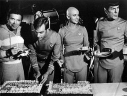 Star Trek Gallery - tmp_cake_shatner_caught.jpg