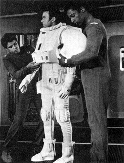 Star Trek Gallery - tmp_kirk_spacesuit.jpg