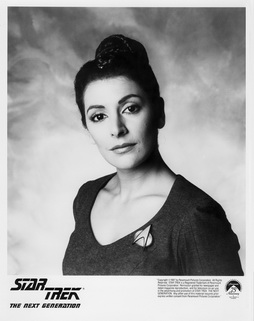 Star Trek Gallery - troi_s1b.jpg