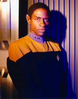 Star Trek Gallery - tuvok_hq_pbvariant.jpg