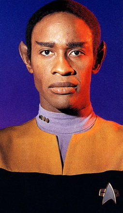 Star Trek Gallery - tuvok_pilot_pb.jpg