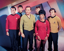 Star Trek Gallery - Star-Trek-gallery-crews-0095.jpg