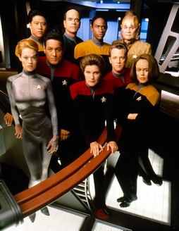 Star Trek Gallery - cast_s4a.jpg