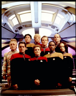 Star Trek Gallery - vgr_cast_s1_uncutHQ.jpg