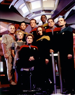 Star Trek Gallery - vgr_cast_s2HQ.jpg