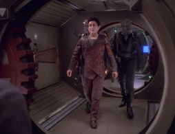 Star Trek Gallery - inthecards_243.jpg