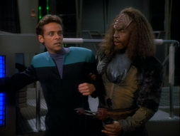 Star Trek Gallery - invasive_103.jpg