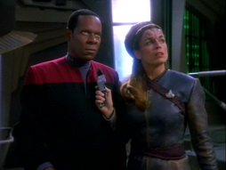 Star Trek Gallery - invasive_223.jpg