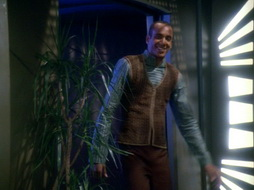 Star Trek Gallery - leave_behind_038.jpg