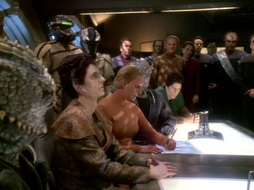 Star Trek Gallery - leave_behind_484.jpg
